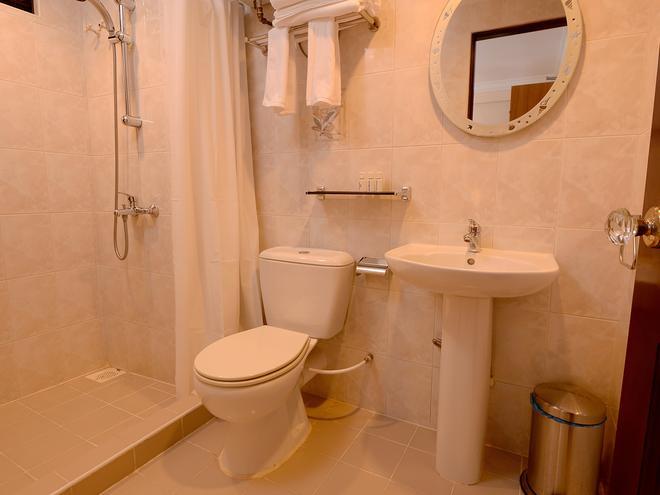 Champa Central Hotel - Malé - Bathroom