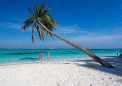 Meeru Island Resort & Spa - Meeru Island - Παραλία