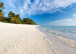 Meeru Island Resort & Spa - Meeru Island - Plaża