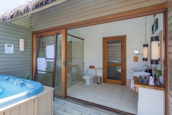 Meeru Island Resort & Spa - Meeru Island - Kylpyhuone