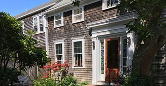 The Chestnut House - Nantucket