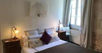Le Miroir Aux Fées - Bordeaux - Bedroom