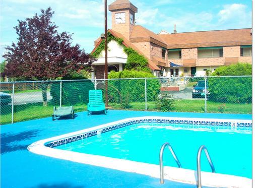 Black Mountain Inn - Brattleboro - Pool