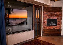 拉斯羅卡斯溫泉度假酒店 - 羅薩里多 - 新港 - 客廳