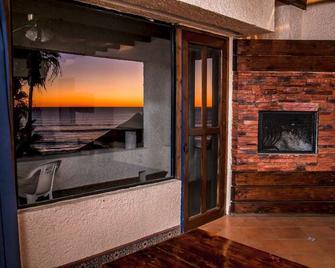 Las Rocas Resort & Spa - Puerto Nuevo - Sala de estar