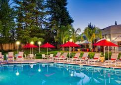 沙加缅度蘭喬科多瓦萬豪酒店 - 哥多伐農場 - 蘭喬科爾多瓦 - 游泳池