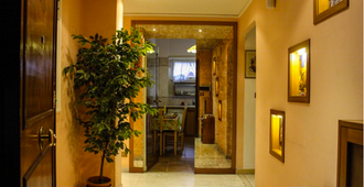 4 Season B&B Roma - Roma - Pasillo