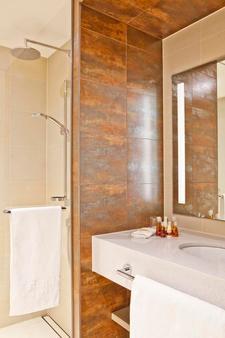 Steigenberger Hotel Bremen - Bremen - Bathroom
