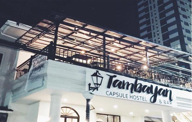 Tambayan Capsule Hostel - Manila - Rakennus