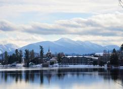 Golden Arrow Lakeside Resort - Lake Placid - Vista del exterior