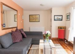 Perfect City Center Location / Free Parking / 4 Beds - Belfast - Sala de estar