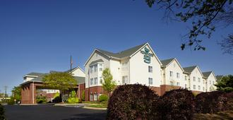 Homewood Suites by Hilton Charlotte Airport - Charlotte