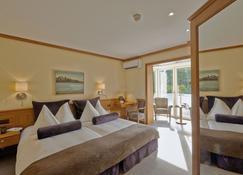 Beatus Wellness & Spa Hotel - Sigriswil - Bedroom