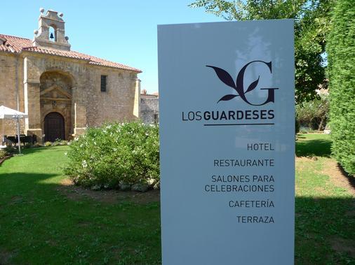 Los Guardeses - Valdecilla - Gebäude