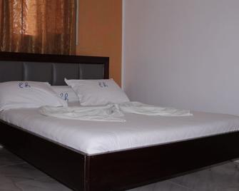 Elu Hotel Appart - Douala - Slaapkamer