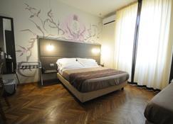 Hotel Tirreno - Marina di Massa - Makuuhuone
