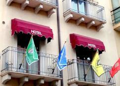 Hotel Conte Ruggero - Piazza Armerina - Building