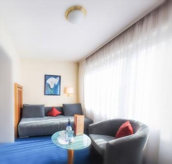 Hotel Azenberg - Stuttgart - Living room