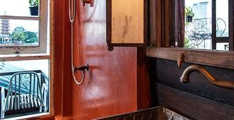 Loy La Long Hotel - Bangkok - Banheiro