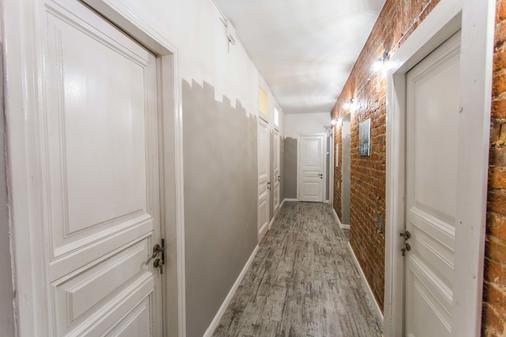 Jolly Hostel - Moscow - Hallway