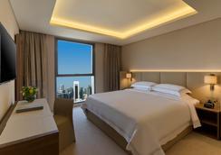 Fraser Suites West Bay Doha - Doha - Bedroom