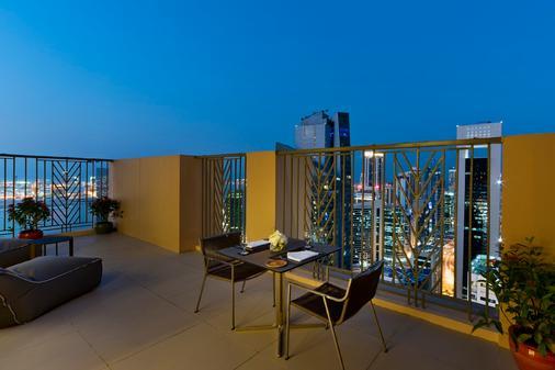 Fraser Suites West Bay Doha - Doha - Balcony