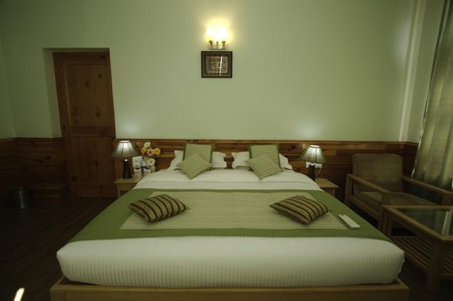 J.J Resorts - Kullu - Bedroom