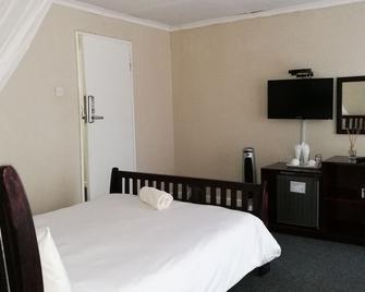 Lepatino Bed & Breakfast - Livingstone - Bedroom