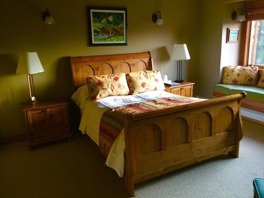 Vagabond Lodge At Kicking Horse Resort - Golden - Schlafzimmer