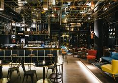 慕尼黑紅寶石百合酒店 - 慕尼黑 - 酒吧