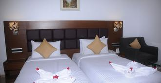 NK Grand Park Hotel - צ'נאי