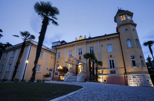 Villa Italia - Arco - Κτίριο