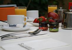 白銀公寓式酒店 - 巴塞隆拿 - 巴塞隆納 - 飲食