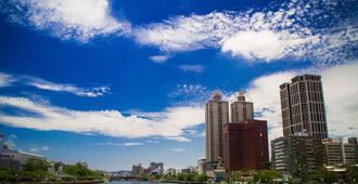高雄國賓大飯店 - 高雄市 - 建築