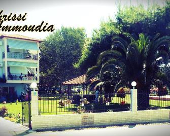 Chrissi Ammoudia - Toroni - Gebäude