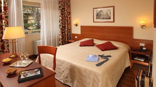 Hotel American Palace Eur - Rome - Chambre