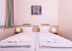 奧丁膳食公寓 - 柏林 - 柏林 - 臥室