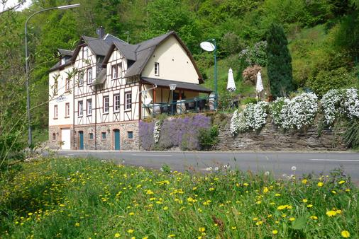 Boutique-Hotel Jungenwald - Traben-Trarbach - Building