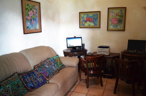 Hotel Aurora - Antigua - Ρεσεψιόν