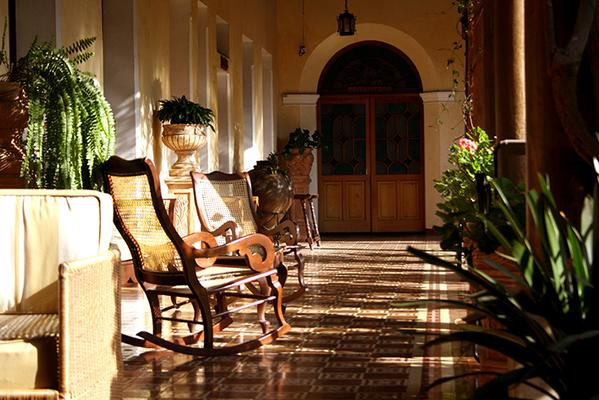 Hotel Aurora - Antigua - Lobby