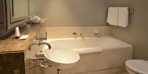 Mandela Rhodes Place Hotel - Cape Town - Bathroom