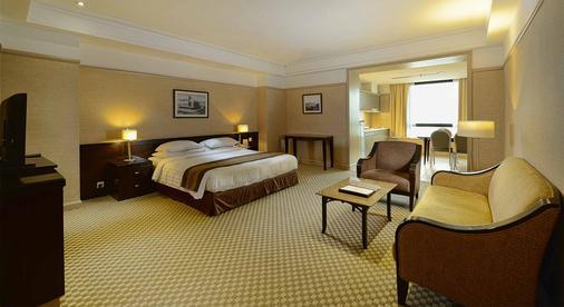 Pacific Regency Hotel Suites - Kuala Lumpur - Bedroom