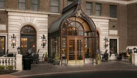 The Raphael Hotel Autograph Collection - Kansas City - Building