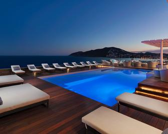 Aguas de Ibiza Lifestyle & Spa - Santa Eulària des Riu - Pool