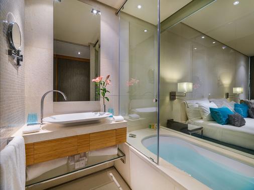 Aguas de Ibiza Lifestyle & Spa - Thị trấn Santa Eularia des Riu - Phòng tắm