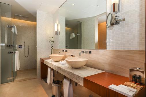 Oryx Airport Hotel - Doha - Phòng tắm