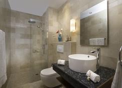 Luca Hotel by The Oxo House - Santo Domingo - Bathroom