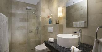 Luca Hotel By The Oxo House - Santo Domingo - Baño