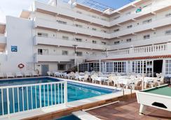 Hotel Apartamentos Lux Mar - Ibiza - Pool