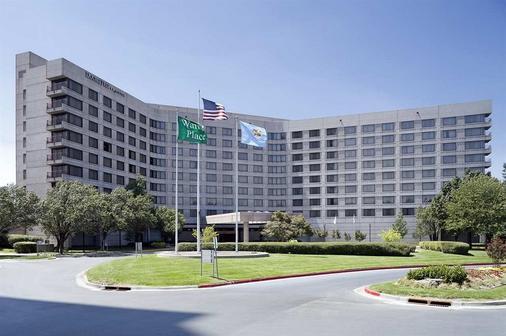 DoubleTree by Hilton Tulsa - Warren Place - Tulsa - Rakennus